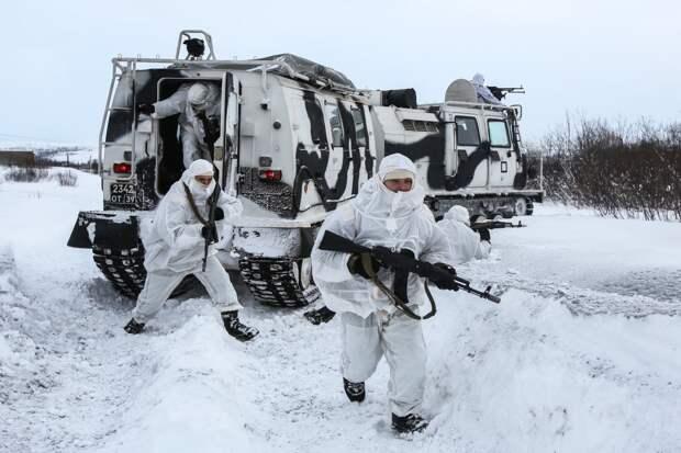 В Арктике начались крупные военные учения