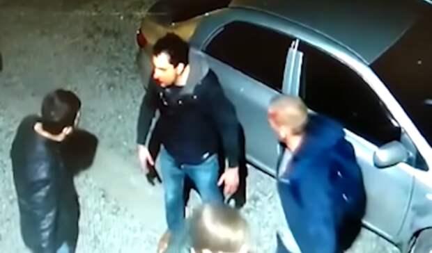 Монтировкой избил соседей житель Екатеринбурга