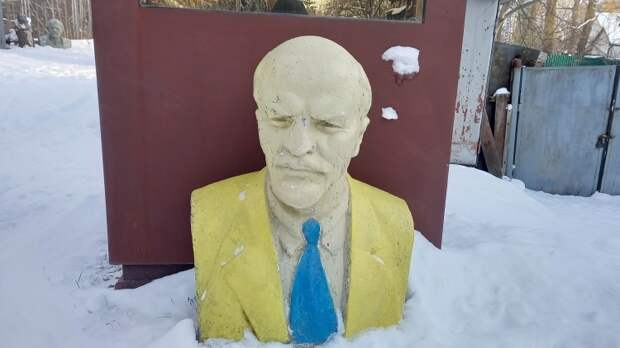 Журавко: насаждаемые на Украине двойные стандарты губят страну