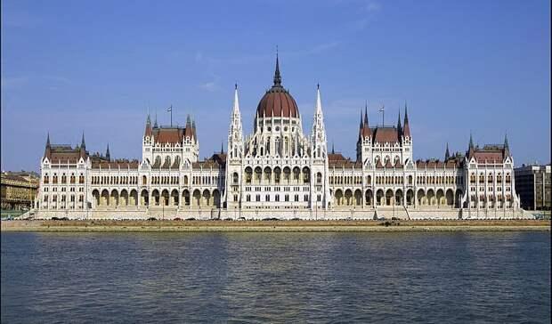 Парламент Венгрии запретил ЛГБТ-пропаганду в школах
