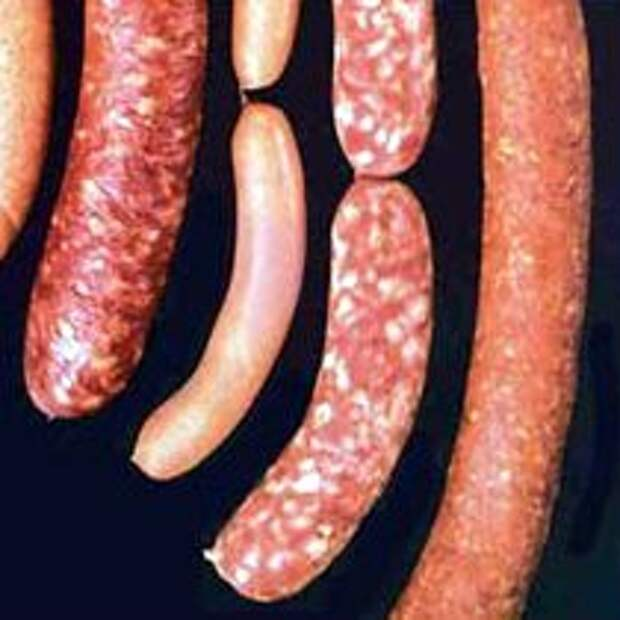 В Севастополе жгут колбасу из Европы