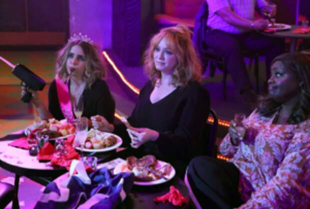 Good Girls Recap: Rio's Backstory Reveals His Family's (Very) Long Game — Plus, Did Beth Choose a Side?