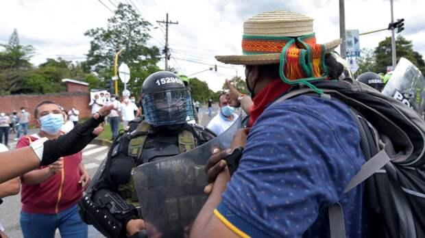 Правительство Колумбии вводит войска в Кали для подавления беспорядков