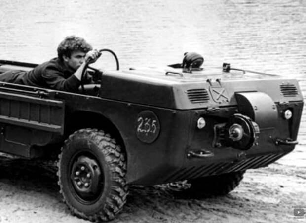 Серийная машина советской армии, на которой надо было ездить лёжа. Почему только лёжа?