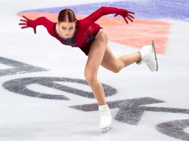 Трусова упала в короткой программе, но все равно обыграла Туктамышеву