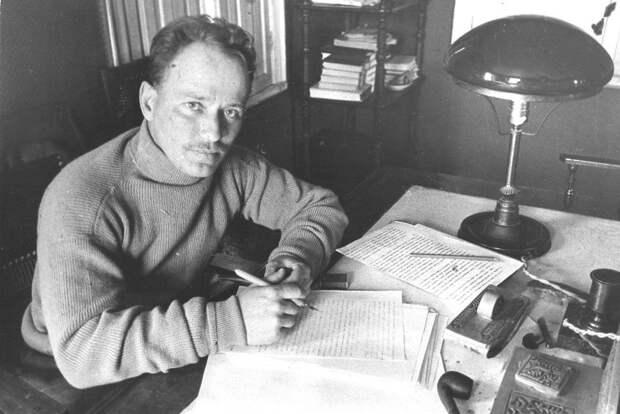 Почему после 40 лет Шолохов не написал ни одного стоящего романа