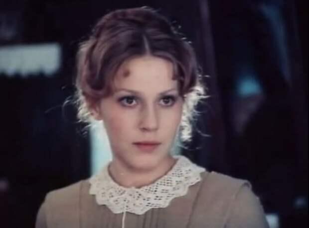 Анна Каменкова в фильме *Поздняя любовь*, 1983 | Фото: kino-teatr.ru