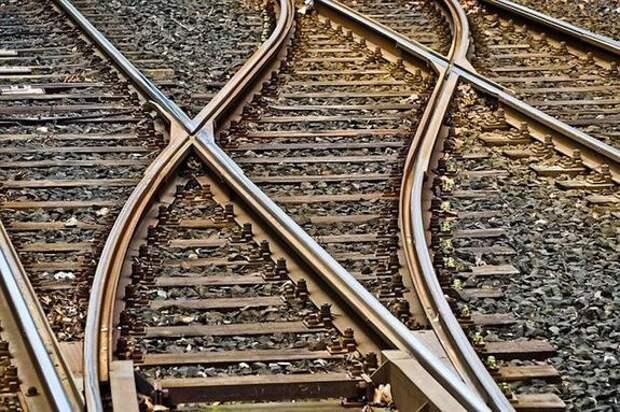 Два поезда столкнулись на юге Пакистана, 36 погибших
