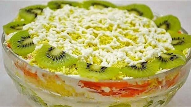 На работе угостили салатом, очень понравился: оригинальный и неизбитый