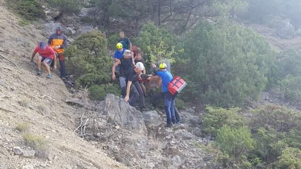В Крыму альпинист потерял сознание и скатился со скалы