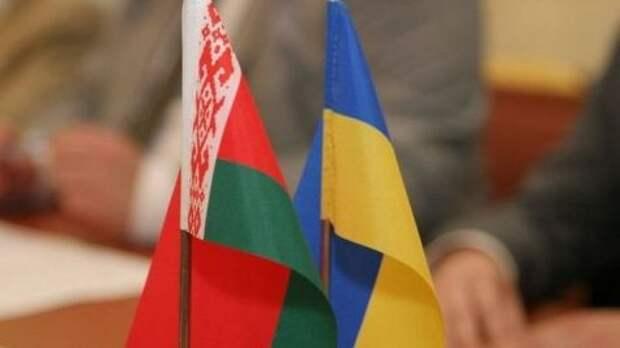 Украина не отправляет в Белоруссию оружие