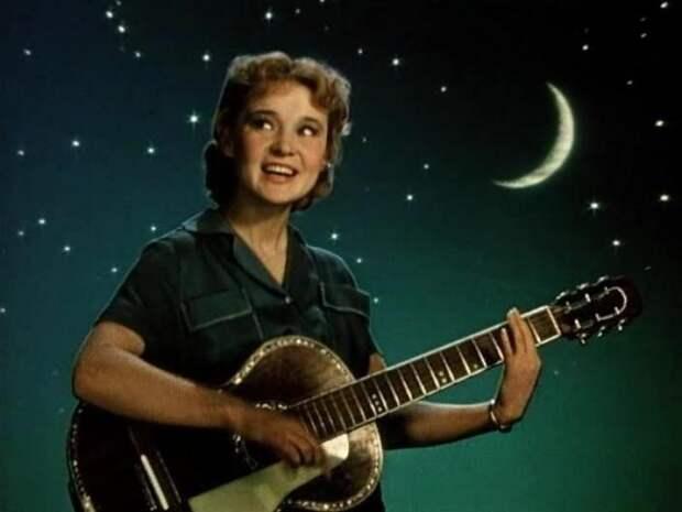 5. В 1958 году ее талант блестяще проявился в другом фильме — с подчеркнуто музыкальным названием —