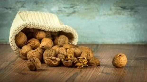 """""""Добываем"""" грецкие орехи и собираем всё барахло"""