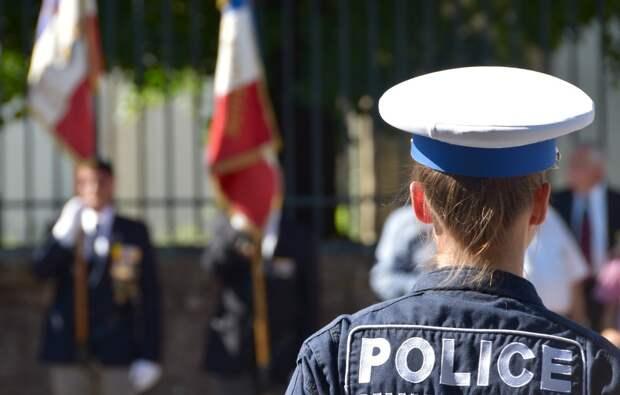 ВоФранции задержали четырех граждан России поделу отерроризме