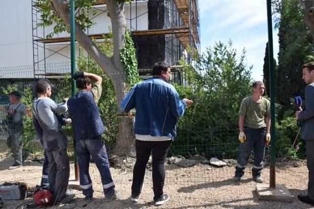 Новая многоэтажка стала расти у Форосского парка