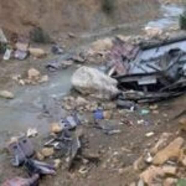 В Пакистане в ДТП с автобусом погибли 20 человек — «ДТП»