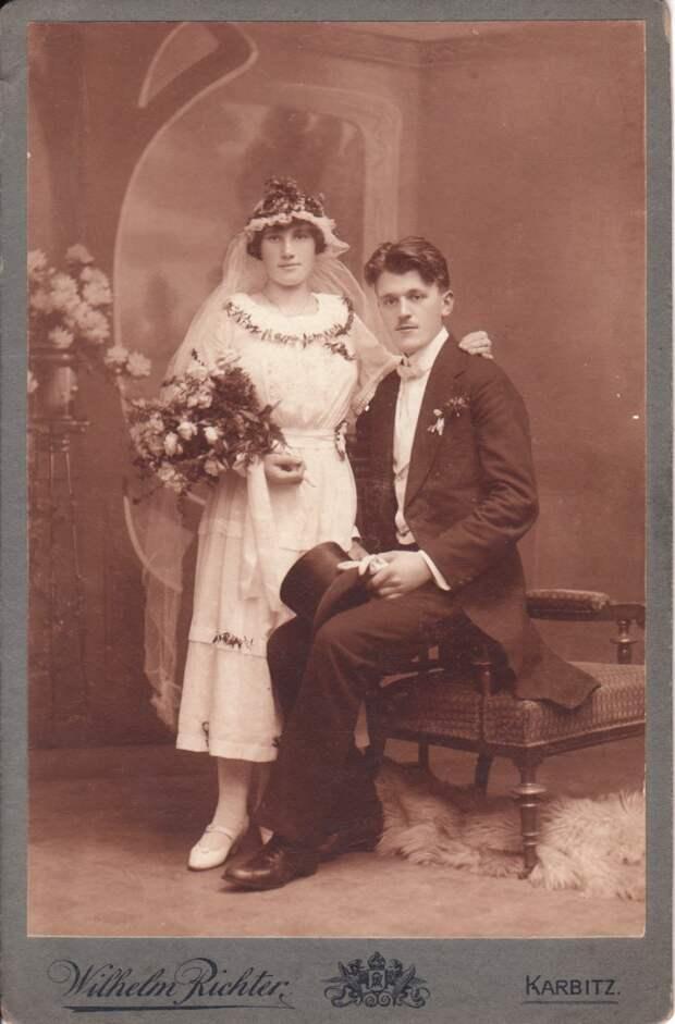 За сто лет до «Тиндера»: Как знакомились через газеты брачных объявлений в начале XX века