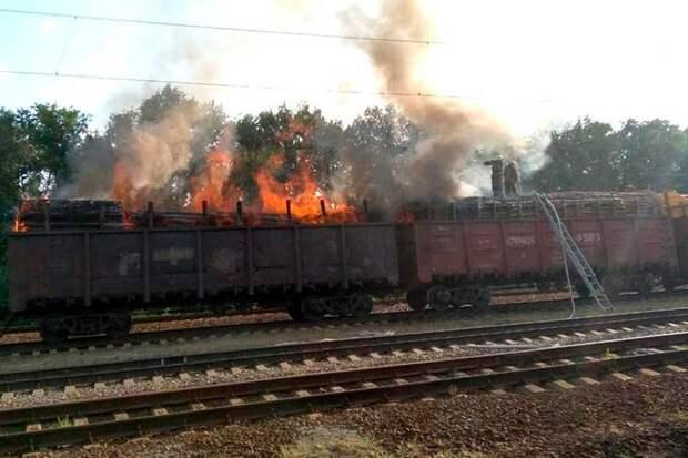 В Красноярском крае партизаны пока еще не пускают под откос составы с лесом, но случаи пожогов вагонов участились