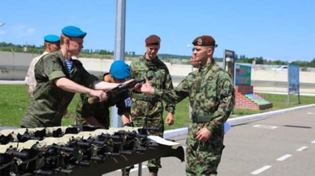 Военные РФ, Белоруссии и Сербии отработали совместное десантирование