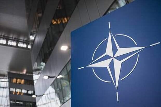 Россия приостановит деятельность своего председательства при НАТО