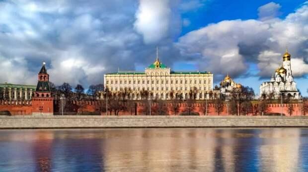 Кремль готовится к отключению от SWIFT из-за нарастающих угроз США