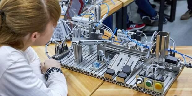 Серию семейных мастер-классов проведут детские технопарки Москвы в новом учебном году — Сергунина