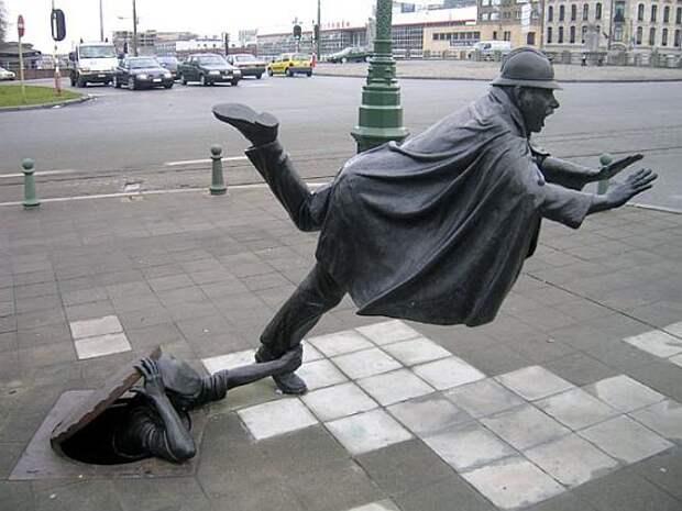 Памятник шутке над полицейским.