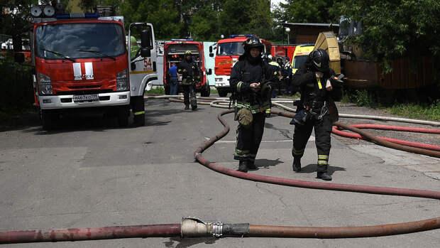Площадь пожара в общежитии Военного университета Минобороны в Москве увеличилась