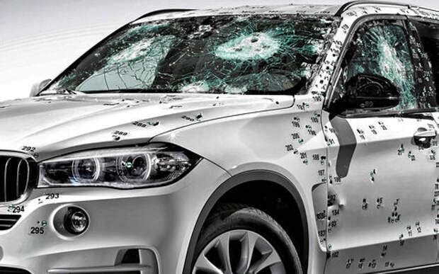 Секьюрити на колесах: обзор автомобилей заводского бронирования