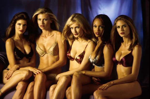 Красота как она есть: 20 удивительных фото супермоделей 90-х