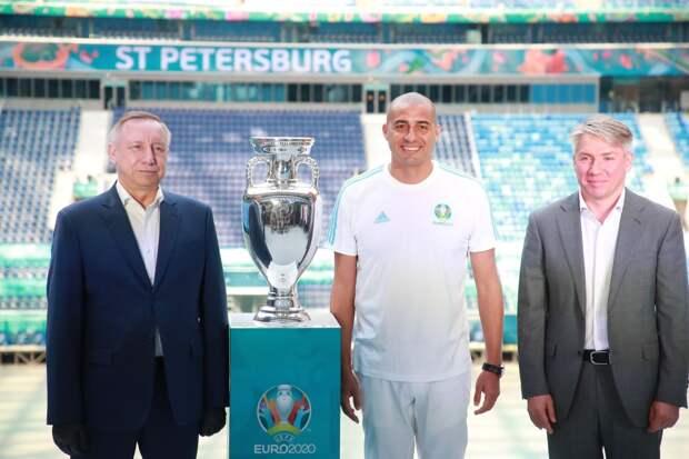 Давид Трезеге привез в Санкт-Петербург кубок чемпионата Европы