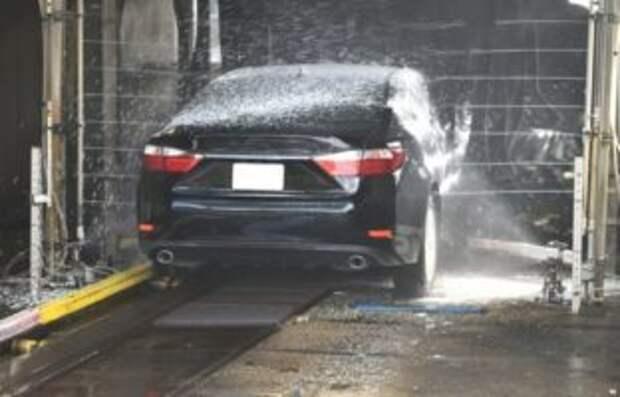 За февраль автомойки Симферополя использовали 350 кубов воды в сутки