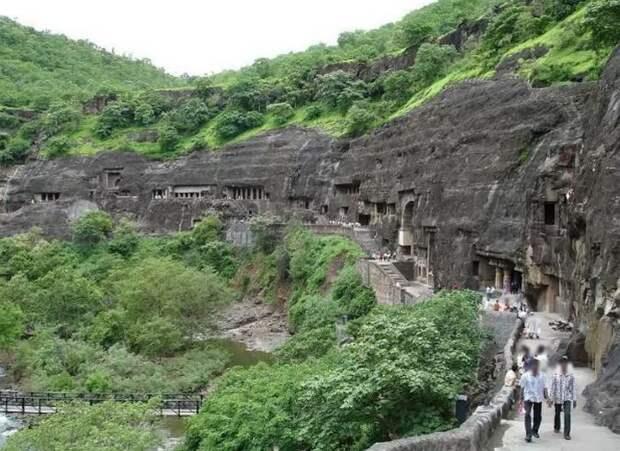 Пещеры Аджанты.