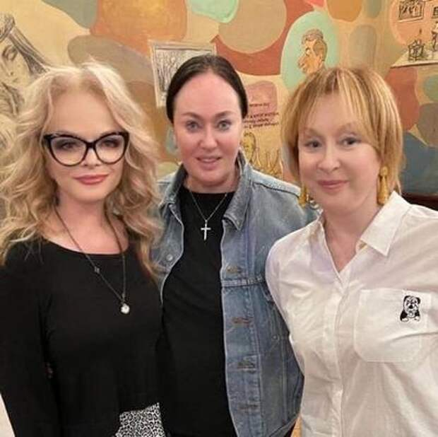 Гузеева провела вечер в компании «любимых курочек» Удовиченко и Долиной