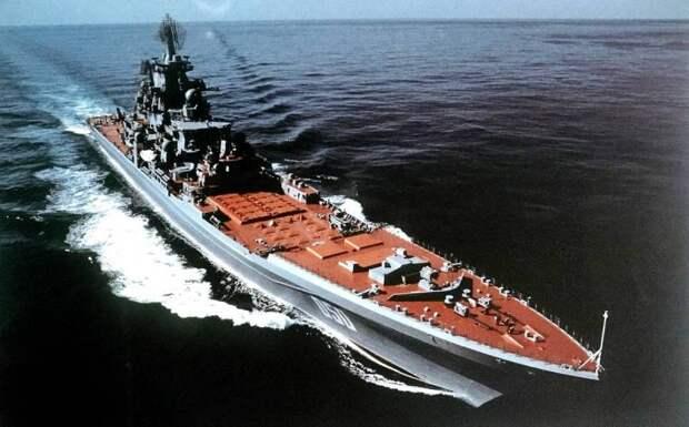 Тяжелый «Орлан» против новомодного «Zumwalt»: американцы сравнили мощь двух кораблей