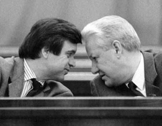 Руслан Хасбулатов: Предтечей распада СССР стал Юрий Андропов