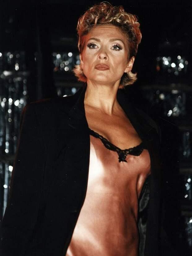 Самые безумные наряды российских звёзд в лихие 90-е.