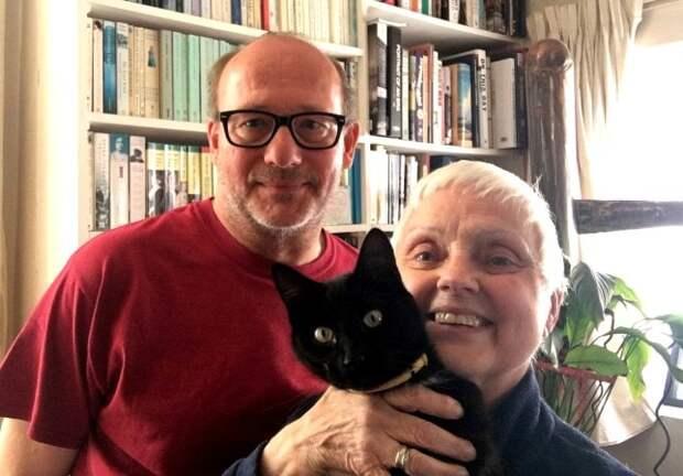 Пара британцев думала, что их кот умер, ведь он исчез на 14 дней. Оказалось, всё это время он самоизолировался