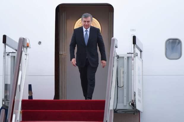 Президент Узбекистана Мирзиёев переизбран на второй срок, набрал 80,1% голосов