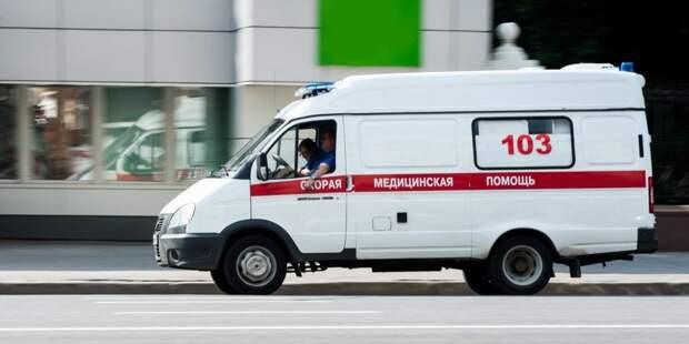 Спасатели госпитализировали раненного мужчину со станции «Полежаевская»