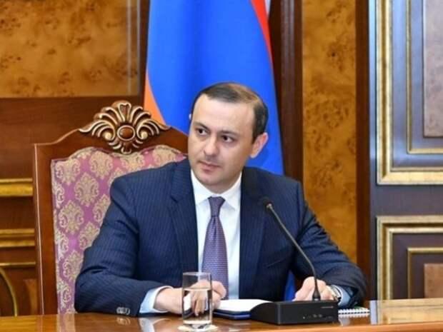 Глава Совбеза Армении заявил, что войска Азербайджана нарушают границы