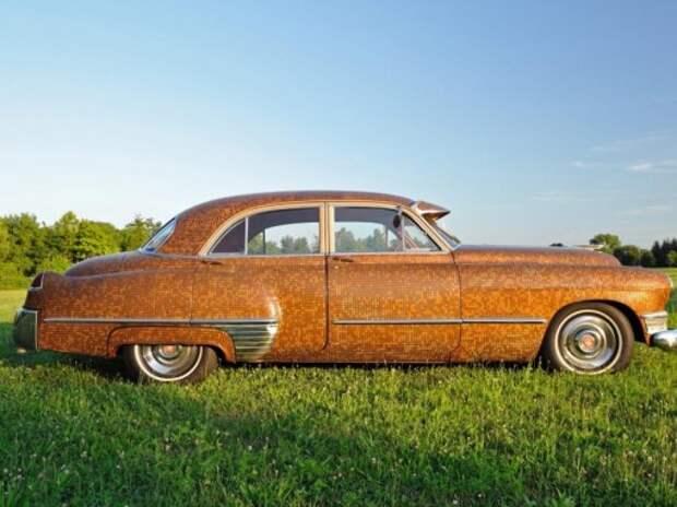 Cadillac 1949 года украсили 30 тысячами монет