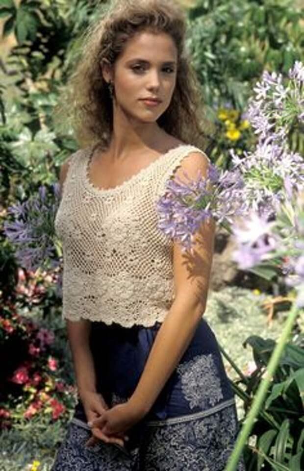 Красотка из 90-ых Элизабет Беркли