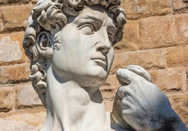 """Доктор заметил анатомическую особенность у Давида Микеланджело, """"скрытую"""" 500 лет"""