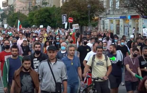 Очередную акцию протестов в Болгарии назвали «4-м Великим народным восстанием»