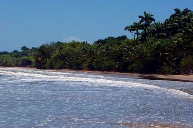 В Тринидаде и Тобаго рыбаки нашли лодку с 14 телами