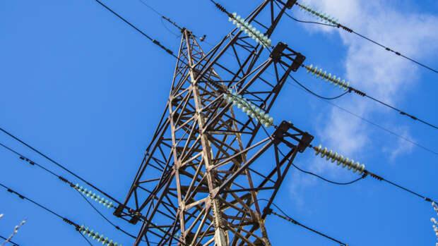 Сильный ветер оставил без электричества 50 тыс. человек под Нижним Новгородом