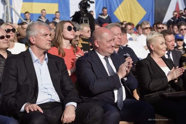 Анонсированный в Севастополе концерт ко Дню ЧФ показали только избранным