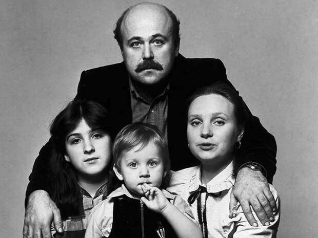 Семейная жизнь Евгении Глушенко и Александра Калягина, спрятанная за семью замками