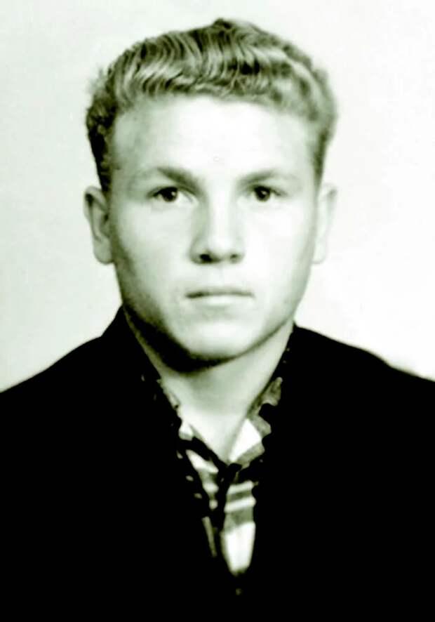 Непонятные обстоятельства самоубийства советского футболиста